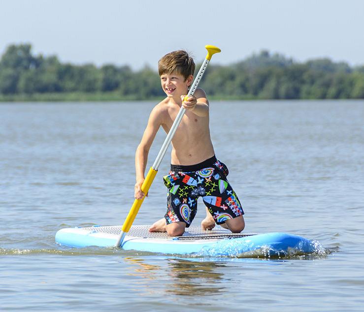 AW_paddleboardingSqr